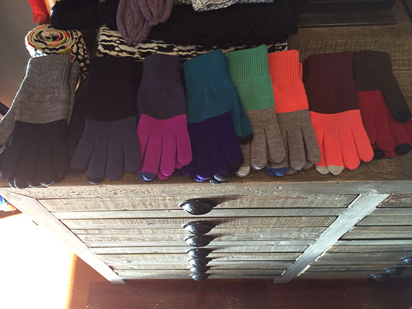 Knit Gloves at DV