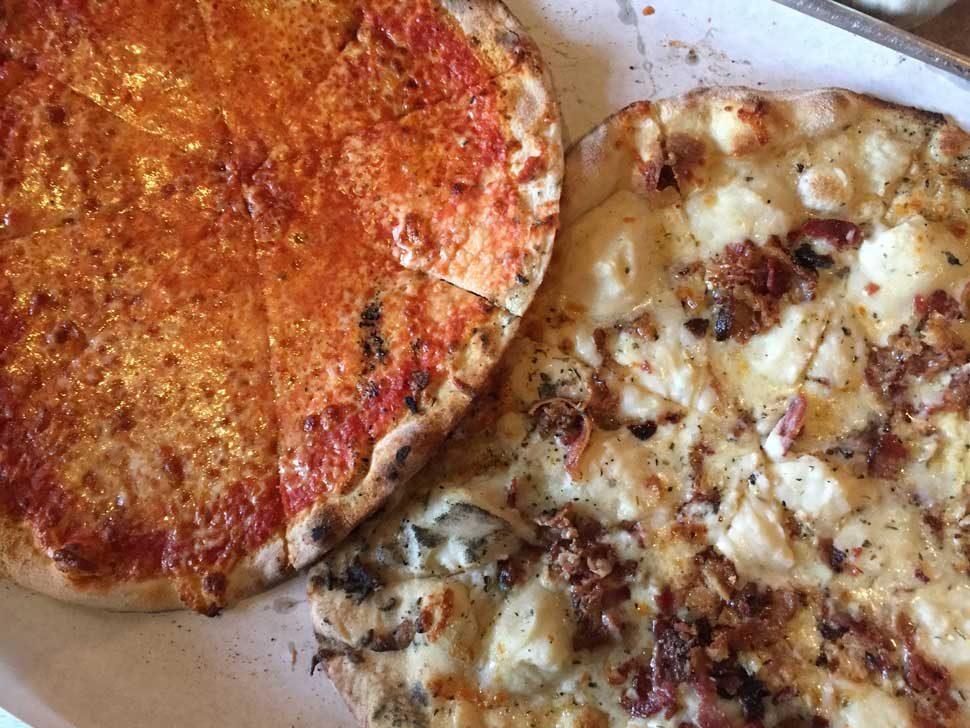pizza at bar new haven