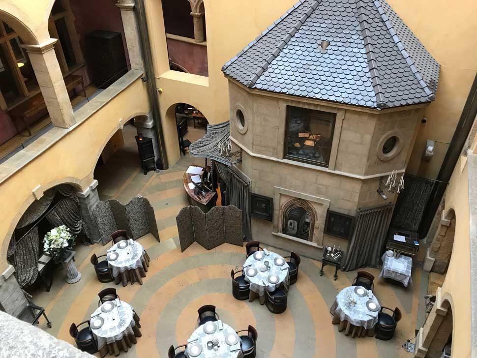 Cour Des Loges Lyon