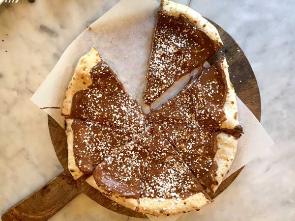 bufalina nutella pizza